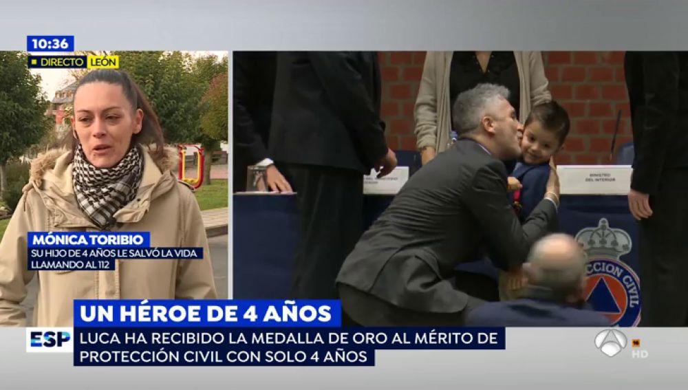 """Un niño de 4 años recibe la Medalla de Oro al Mérito de Protección Civil por salvar a su madre enferma: """"Todavía no es consciente de lo que ha hecho"""""""