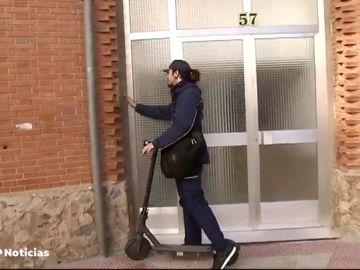El reparto a domicilio ahora se hace en patinete eléctrico