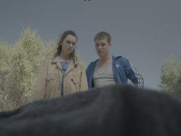 Lara y Alan en 'Más de 100 mentiras'