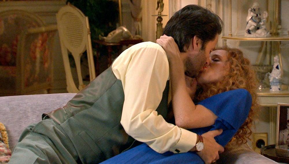 Natalia se deja llevar con Gabriel por cumplir su venganza