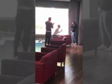 La sorpresa de Joaquín en la pedida de mano de una pareja bética