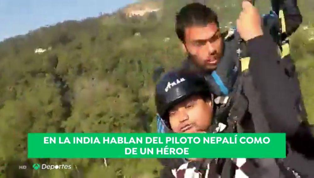 Trágica muerte de un instructor de parapente en pleno vuelo en la India: el pasajero lo grabó todo con su móvil
