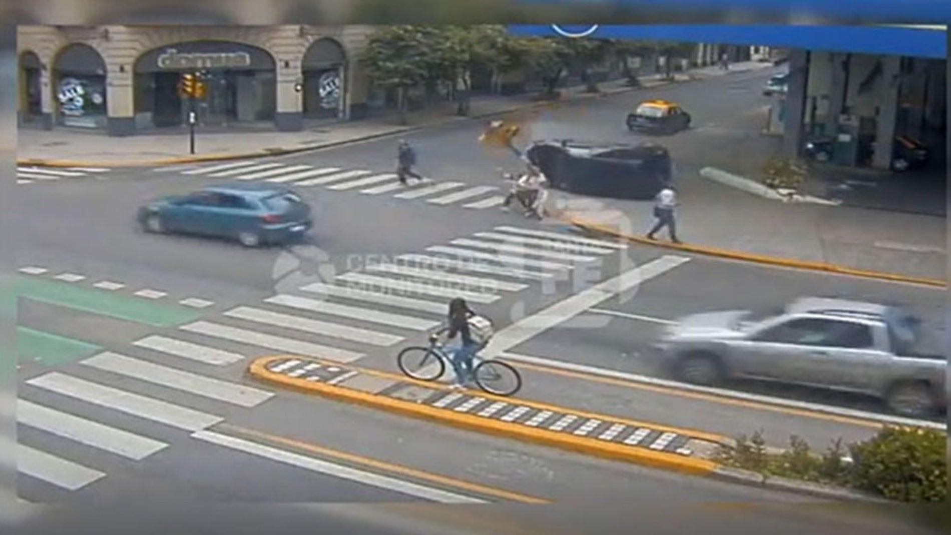 Aparatoso accidente en Rosario, Argentina