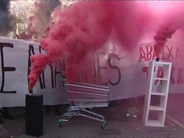 Funcionarios y estudiantes vuelven a tomar las calles de Cataluña