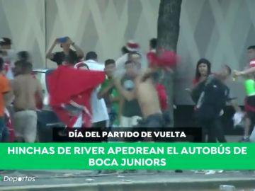 La cronología del esperpento de la final  de la Copa Libertadores: Lluvia torrencial, euforia desmedida, un autobús apedreado, una madre detenida...