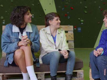 Angy y Gemma Galán desmontan el mito: 'Comemos arañas mientras dormimos'