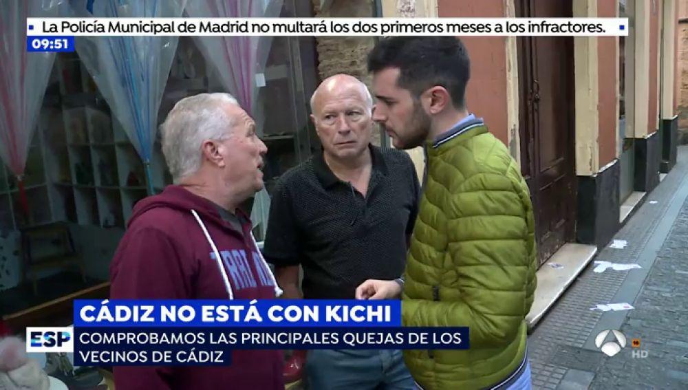 """El gran descontento de los vecinos de Cádiz por la mala gestión de Kichi: """"En las elecciones prometen el oro y el moro y luego no hacen nada"""""""