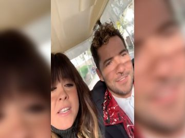 Así se divierten Vanesa Martín y David Bisbal de camino a 'La Voz Kids'