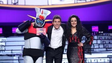 El emotivo momento en el que María Villalón cede su premio a José Corbacho