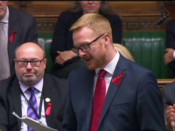 Un diputado laborista confiesa en el Parlamento ser VIH positivo para normalizar la enfermedad