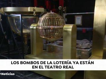 REEMPLAZO Los bombos de la Lotería de Navidad llegan al Teatro Real