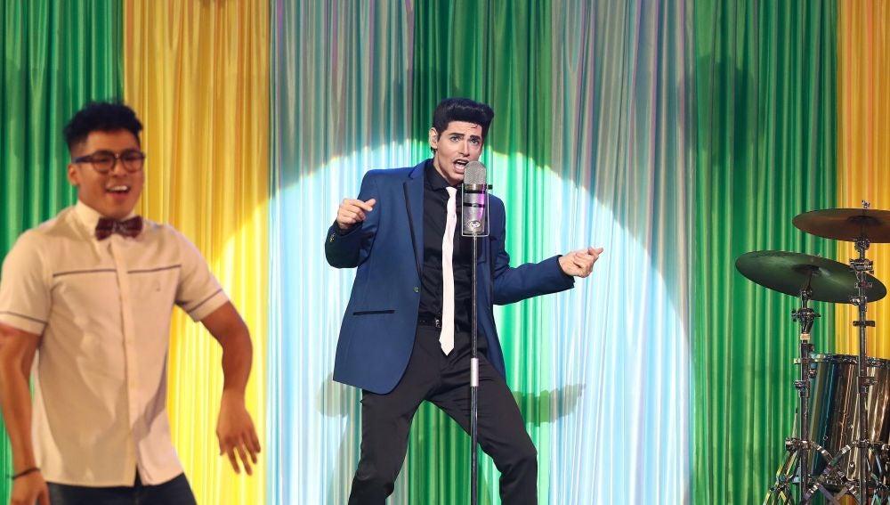 Carlos Baute llena el plató de ritmo como Zac Efron