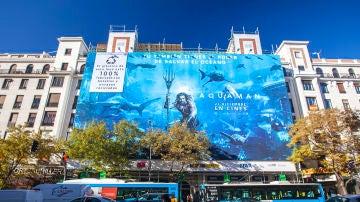 Lona publicitaria de 'Aquaman' en Madrid