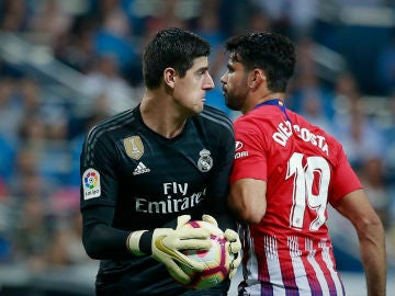 Courtois, ante Diego Costa