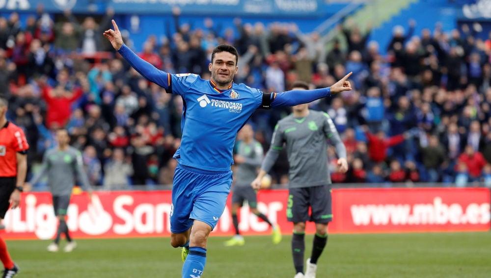 Jorge Molina celebra su gol ante la Real Sociedad