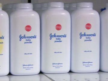 Johnson & Johnson se hunde en la Bolsa tras revelarse que sus polvos de talco contenían amianto