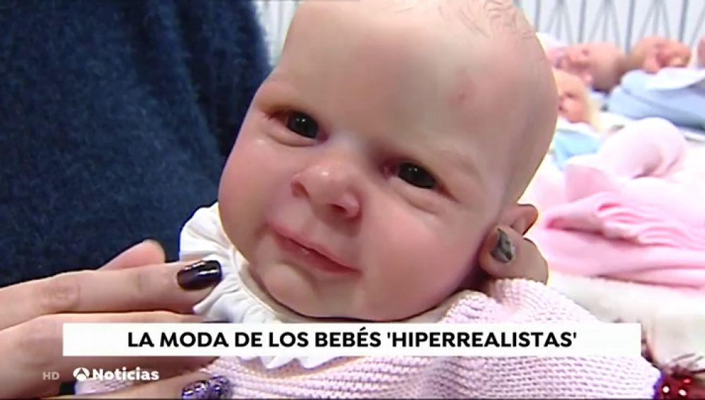 Los bebés 'reborn' junta a creadores, coleccionistas y quien los cuida como bebés reales