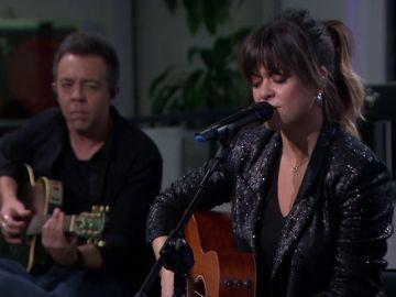 Entrevista y música en vivo en nuestro plató con Vanesa Martin