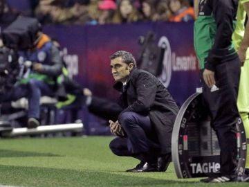 Ernesto Valverde, en la banda del Ciutat de Valencia