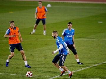 El Real Madrid se entrena en Abu Dabi