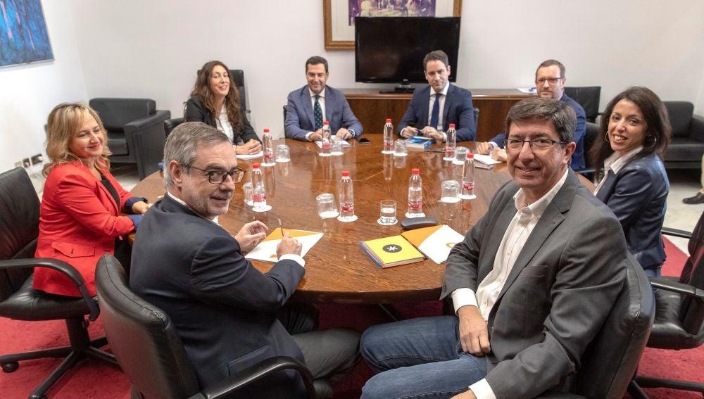 Los equipos negociadores de Partido Popular y Ciudadanos