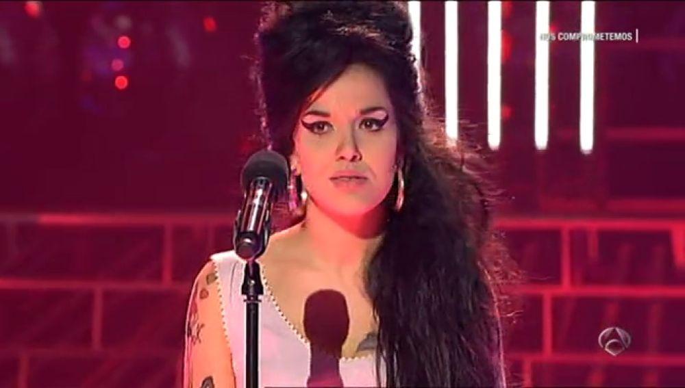 Roko se transforma en Amy Winehouse