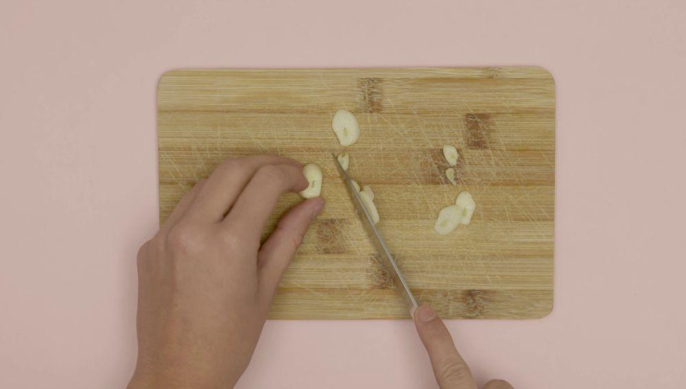 Limpia a fondo tu tabla de cortar