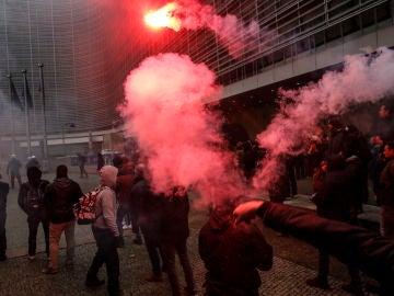 Aspecto de la protesta convocada este domingo por asociaciones flamencas de derecha y de extrema derecha