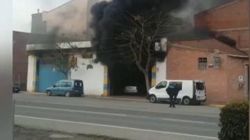 Incendio en un taller mecánico en Lleida