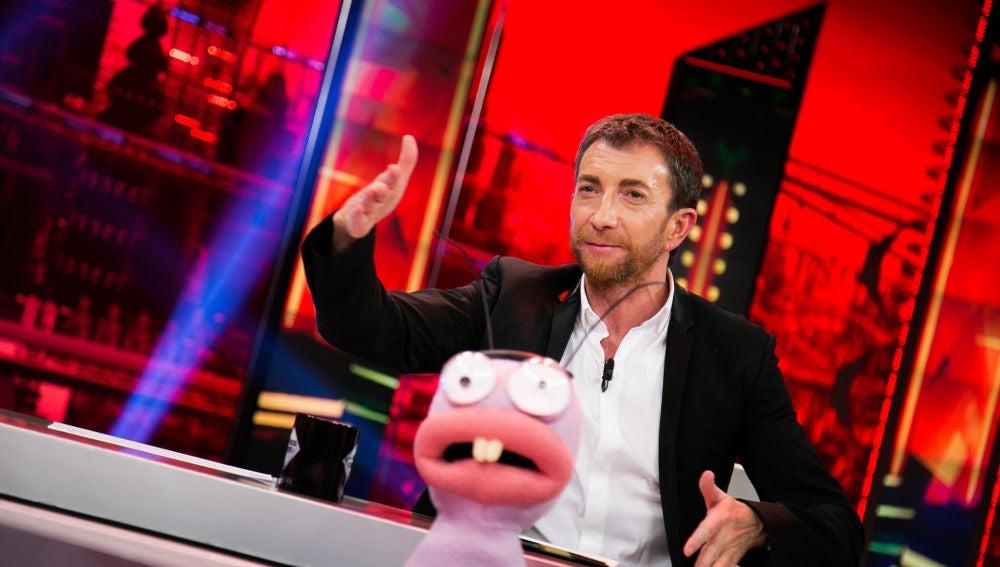 Pablo Motos desvela en exclusiva en 'El Hormiguero 3.0' que 'La Voz' se estrenará el 7 y 8 de enero en Antena 3