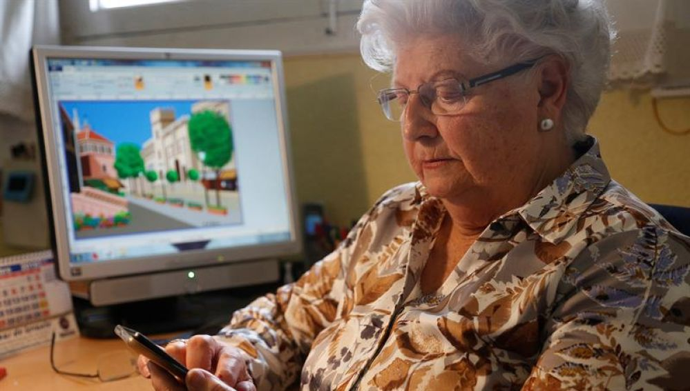 Concha, la abuela dibujante que conquista en Instagram