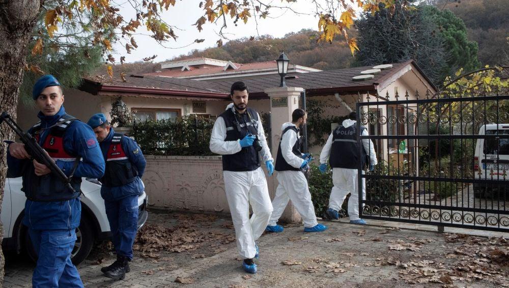 La policía turca registraba una finca en busca del cuerpo del periodista Jamal Khashoggi
