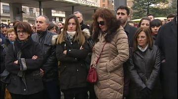 Un millar de zamoranos se concentran en repulsa por el crimen de Laura Luelmo