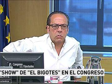 Las escenas políticas del año 2018 que querrás recordar... o no: Álvaro Pérez, sin bigote