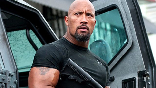 Dwayne Johnson como Luke Hobbs en la saga 'Fast and Furious'