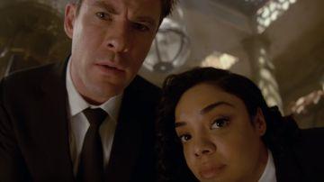 Chris Hemsworth y Tessa Thompson en 'Men in Black: International'