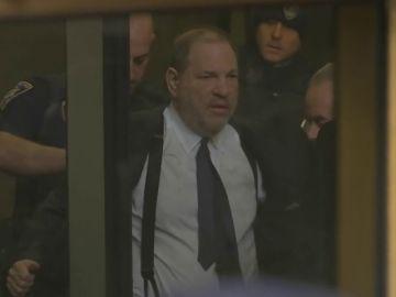 El juez desestima la petición de Weinstein y lo citará el 7 de marzo