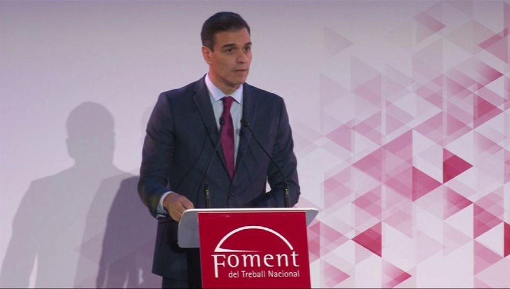 """Sánchez defiende superar la """"confrontación"""" en Cataluña y Torra le agradece que haya accedido a """"hablar de todo"""""""