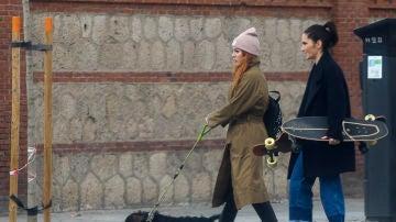 Blanca Suárez junto a una amiga y su perro Pistacho