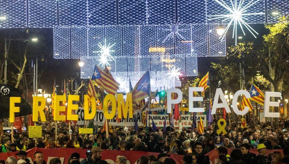 """Manifestación unitaria del independentismo que bajo el lema """"Tumbemos el régimen"""""""