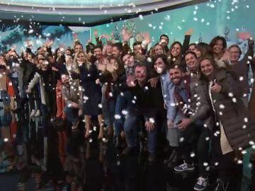 El equipo de Antena 3 Noticias les desea Feliz Navidad