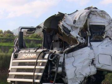 Complicado rescate de un camionero en Gran Canaria
