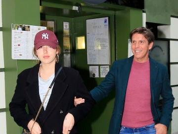 Alba Díaz junto a su padre Manuel Díaz 'El Cordobés'