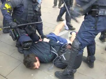 REEMPLAZO: Siete detenidos en las protestas en Barcelona