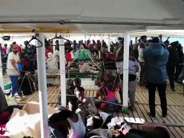 REEMPLAZO | El Gobierno autoriza al barco Open Arms a desplazarse a aguas españolas con los 300 migrantes rescatados en aguas libias
