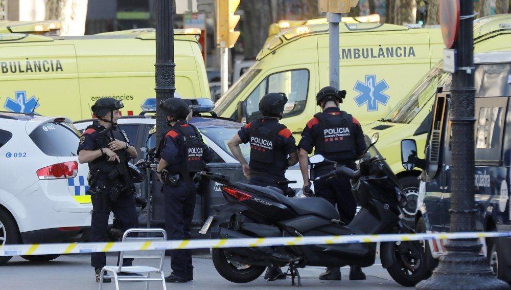 Noticias fin de semana (23-12-18) Estados Unidos alerta a sus ciudadanos del riesgo de atentado terrorista en lugares como Las Ramblas por ataques con vehículos