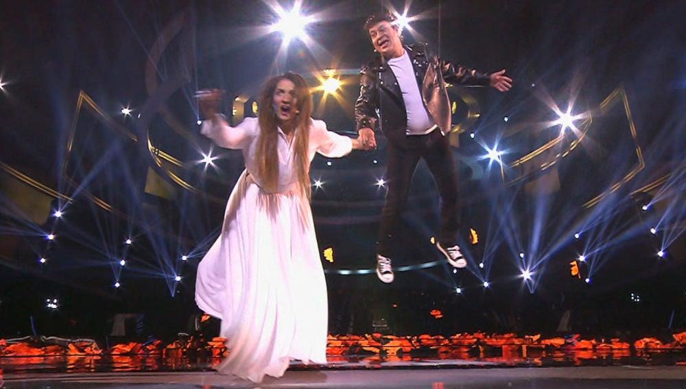 Silvia Abril y José Corbacho ponen 'todo al revés' como Amaia Romero y Alfred García en el Concierto de Año Nuevo