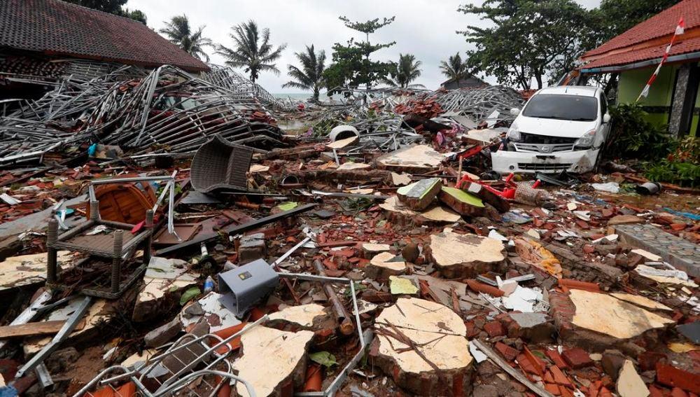 Efectos del tsunami en Indonesia