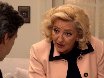 Natalia descubre que Ascensión y Domingo la investigan
