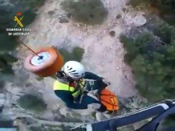 Rescatan a un barranquista que se cayó desde unos ocho metros en un barranco en Mallorca